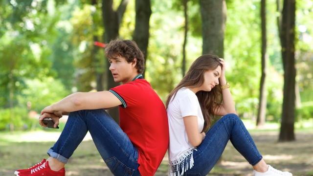 愛情を注ぎすぎる人。それを拒絶する人。